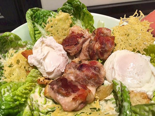 Caesar salade met kippendijen (eentje voor in de boeken hoor!)